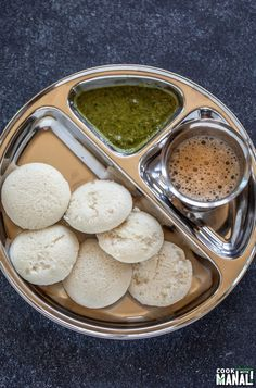 Step by step process to make Idli Dosa Batter at home! This no fail recipe will make sure you master the technique in no time! Masala Dosa Recipe, Idli Recipe, Instant Dosa Recipe, Dosa Batter Recipe, Healthy Meals To Cook, Healthy Eats, How To Cook Beans, Coconut Chutney, South Indian Food
