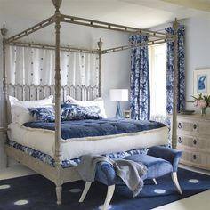 Camas King Size, Feng Shui, Country Cottage Interiors, Cottage Kitchens, Coastal Cottage, Coastal Living, King Size Bed Frame, Blue Bedroom, White Bedrooms