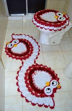 Jogo de banheiro em crochê corujas em espiral. As corujas mais charmosas em crochê direto para o seu banheiro :)    São duas peças para decorar e repaginar seu banheiro. É indicado para banheiros de todos os tamanhos, e o jogo possue, em média, 49cm x 129cm. Os tapetes são feitos com barbante cor...