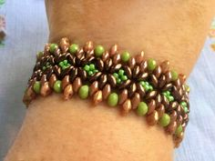 Free pattern for beaded bracelet Maple U need: seed beads 11/0 twin or super duo