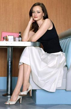 Actresses who look good from 18 to 39 - Page 33 - Blu-ray Forum