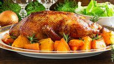 Pato a la Naranja un plato de la cocina francesa pero muy popular debido a ese delicioso sabor de la carne del pato y el cítrico de la naranja. Orange, Turkey, Chicken, Meat, Recipes, Food, Popular, Gastronomia, Gourmet