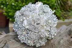 Crystal brooch wedding bouquet...lovely!