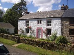 3 bedroom cottage in Haltwhistle to rent from £345 pw. With log fire, TV and DVD.