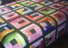 Colcha de casal cores variada. Patchwork em login cabana. 100% algodão, forro e manta acrílica. R$450,00