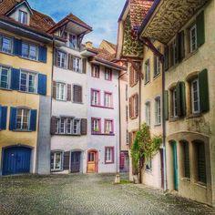 Aarau. #aarau #igersaargau #bookfactory2015 ##aargau #igersswitzerland #schweiz #igersschweiz #switzerland #myaarau #weloveaarau #heartbeataarau #ig_switzerland #instaswiss #theappwhisperer #az_gram #instaaargauerzeitung Green Nature, Switzerland, Places To Visit, Wanderlust, Around The Worlds, River, Instagram Posts, Homes, Landscapes