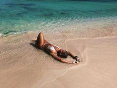 How to Take Good Beach Photos Photography Beach, Types Of Photography, Beach Poses, Beach Shoot, Summer Feeling, Summer Vibes, Beach Bum, Beach Girls, Summer Photos