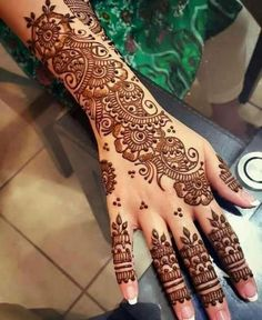 Explore latest Mehndi Designs images in 2019 on Happy Shappy. Mehendi design is also known as the heena design or henna patterns worldwide. We are here with the best mehndi designs images from worldwide. Henna Tattoo Designs, Henna Tattoos, Wedding Henna Designs, Indian Henna Designs, Latest Arabic Mehndi Designs, Engagement Mehndi Designs, Back Hand Mehndi Designs, Mehndi Designs For Girls, Unique Mehndi Designs