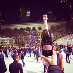 A #pink #toast at the centre of the #world! #Fantinel #OneAndOnly #Rosè #drinkpink #iceskating  #classy #stylish #rose #bubbles #sparklingwine #musthave #christmasdecor #roséallday #roséwine #roséseason #italianbeauty #newyork #lifestyle #wineoftheday #instawine #wineaddicts #winelovers #thegoodlife #rosewine #newyorkcity #winter #december
