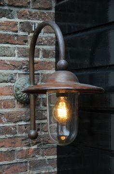 buitenlamp piavon - easy to give that outside light a bit of style Front Door Lighting, Garage Lighting, Outdoor Wall Lighting, Landscape Lighting, Kitchen Lighting, Outside Lighting Ideas, All Season Porch, Outside Lamps, External Lighting