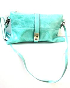 a great litttle turquoise bag, perfest to go and have fun