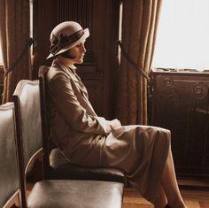 Lady Mary Crawley   ..rh