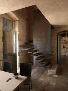 Modern stairs in old rustic house. Masseria Le Edicole by Arturo Montanelli Restoration of an old Sicilian house. Architecture Renovation, Architecture Details, Industrial Architecture, Modern Interior, Interior And Exterior, Metal Stairs, Open Stairs, Stone Stairs, Concrete Stairs