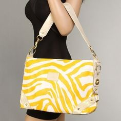 Square Zebra Shoulder Bag Yellow Animals, Trendy Handbags, Small Bags, How To Look Pretty, Style Box, Cool Style, Love Fashion, Fashion Beauty, Nail Polishes