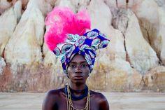 A beleza inspiradora das mulheres Mucubais; por Thaís Muniz e Shai Andrade. Modelo: Luma Nascimento (Bahia, Brasil).