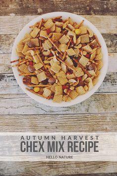 Autumn Harvest Chex Mix Recipe - Hello Nature - http://www.hellonatureblog.com/autumn-harvest-chex-mix-recipe/