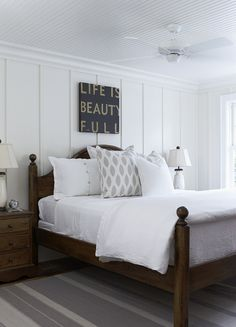 this Style} White + Wood Cottage Muskoka Living, clean and fresh. Reminds me a little of my uncle-in-law's guest bedroom.Muskoka Living, clean and fresh. Reminds me a little of my uncle-in-law's guest bedroom. Home Bedroom, Master Bedroom, Bedroom Decor, Bedroom Ideas, Bedroom Designs, Clean Bedroom, White Bedroom Dark Furniture, Accent Wall In Bedroom, Dark Wood Furniture