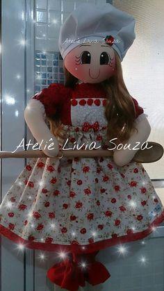 Boneca puxa saco e porta papel toalha www.facebook.com/AtelieLiviaSouza