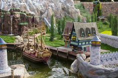 Frozen Fun moves into Storybook Land and Hollywood Land at the Disneyland Resort Disneyland Map, Disneyland Today, Vintage Disneyland, Disneyland Resort, Disney Trips, Disney Love, Disney Parks, Disney Theme, Walt Disney