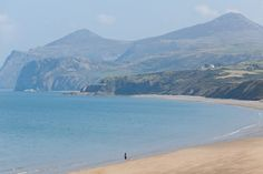 Nefyn beach on the Llyn Peninsula is just outstanding and definitely one of our favourite family friendly beaches in North Wales Anglesey, Snowdonia, North Wales Beach, Wales Holiday, Holiday Accommodation, Cymru, Mountain Range, British Isles, Staycation