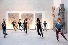 Les Médusés – Un parcours chorégraphique de Damien Jalet au musée du Louvre.(2013)
