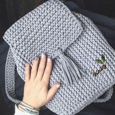 Вязаный рюкзак из трикотажной пряжи