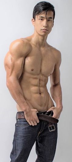 Sexy Asian Men, Asian Boys, Sexy Men, Instagram Asian, Chico Fitness, Raining Men, Keep Fit, Shirtless Men, Guy Pictures