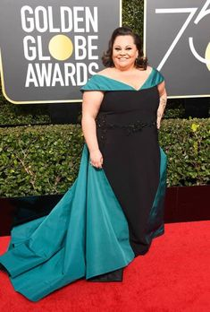 Keala Settle Photos - Singer Keala Settle attends The Annual Golden Globe Awards at The Beverly Hilton Hotel on January 2018 in Beverly Hills, California. Golden Globe Award, Golden Globes, Curvy Inspiration, Nice Dresses, Formal Dresses, Christian Siriano, Red Carpet Looks, Red Carpet Fashion, Fashion 2018