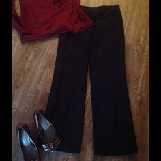 """Gorgeous Ann Taylor matte sateen black pants sz 8 These were my FAVORITE pants! Until I had a baby!These versatile and gorgeous straight leg pants were elegant with a sequined sweater and heels for the opera or with black flats and a chic blouse for a date. Fine details like blind hem stitch at the ankles (30.75"""")  and the sateen piping along the waistband show quality of design with their clean effortless lines. Excellent used condition, machine washed cold, air dried. 98% cotton 2%…"""