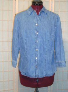 Van Heusen Sz M Women's Blue Denim 100% Cotton Snap Front Buttons Shirt Top #VanHeusen #ButtonDownShirt