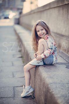 Beautiful Little Girls, Cute Little Girls, Beautiful Children, Cute Young Girl, Cute Baby Girl, Cute Babies, Preteen Fashion, Kids Fashion, Little Girl Pictures