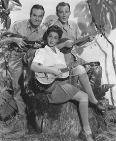 "Bob Hope, Dorothy Lamour, and Bing Crosby for ""Road to Zanzibar. Old Hollywood Stars, Old Hollywood Movies, Golden Age Of Hollywood, Classic Hollywood, Vintage Hollywood, Hollywood Music, Dorothy Lamour, Female Actresses, Actors & Actresses"