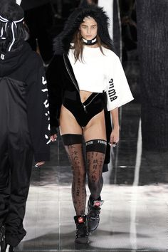 Fenty x Puma Fall 2016 Ready-to-Wear Fashion Show - Taylor Hill