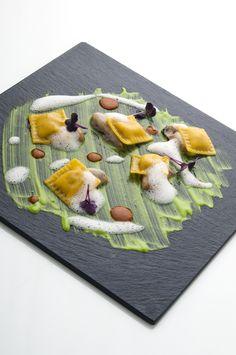 http://www.grandecucina.com/ricette/2014/10/28/news/ravioli_all_amatriciana_cremoso_di_carciofi_e_pelle_di_latte-16965/