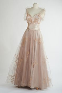 'Pink Ice', - Sybil Connolly Evening dress of pink satin with overlay skirt of Carrickmacross appliqué lace decorated with butterfly motifs and tiny pearls. For the first time, the lace was made in a colour rather than the traditional white. Poplin Dress, Silk Dress, Fairytale Gown, Lace Veils, Black Evening Dresses, Prom Dresses, Formal Dresses, Designer Dresses, Fashion Outfits