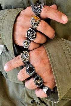 If you love life, don't waste time, for time is what life is made of. Men's Jewelry Rings, Bold Jewelry, Cute Jewelry, Women Jewelry, Jewellery, Vintage Rings, Vintage Men, Biker Rings, Ring Bracelet