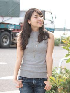 Asia Girl, Asian Beauty, Basic Tank Top, T Shirts For Women, Tank Tops, Fashion, Cute Asian Girls, Asian Guys, Moda