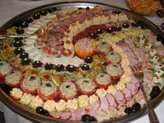Finger Food Appetizers, Finger Foods, Appetizer Recipes, Morrocan Food, Food For A Crowd, Spooky Halloween, Creative Food, High Tea, Food Art