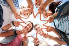 5 Funny Teamwork Videos to Get Your Team Talking. - Lead by Adventure Funny Group Pictures, Youth Group Activities, Youth Games, International Day Of Peace, Forced Perspective, Group Poses, Stock Image, Youth Ministry, Teenager