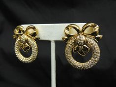 VTG WD Signed Elizabeth Taylor Rhinestone Gold Bow Earrings White Diamonds RARE Runway Chunky