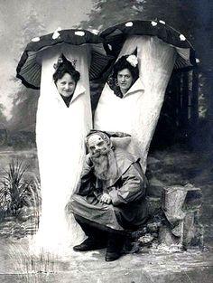 vintage halloween costumes   31 Terrifyingly Creepy Vintage Halloween Costumes