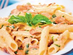 Penne Pasta Recipe In Alfredo Sauce With Roasted Mushrooms Pasta Penne, Penne Pasta Recipes, Pasta With Alfredo Sauce, Pasta Dishes, Recipe Alfredo, Penne Alfredo, Pasta Salad, Spicy Recipes, Italian Recipes