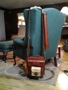 Very nice old-school leather bushcraft satchel.