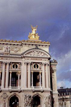 """The beautiful """"Opéra Garnier"""" (Opera House): what a masterpiece! #Paris"""