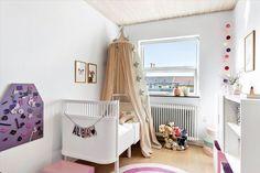 mueble de cocina blanco encimera de madera cocinas nórdicas cocinas modernas cocinas blancas cocinas abiertas Cocina nórdica en paralelo blog decoración nórdica