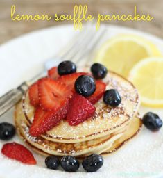 Lemon Souffle Pancakes Simply Incredible -the taste of spring at your breakfast table! Lemon Pancakes, Cream Cheese Pancakes, Souffle Pancakes, What's For Breakfast, Breakfast Pancakes, Pancakes And Waffles, Fluffy Pancakes, Brunch Recipes, Breakfast Recipes