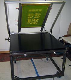 Silk screen table