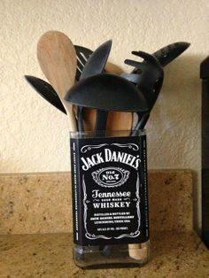 Jack Daniels Bottle Crafts - DIY Jack Daniels utensil holder for the kitchen crafts liquor Jack Daniels Bottle Crafts - DIY Whiskey Bottle Crafts Ideas (PICTURES) Whiskey Bottle Crafts, Glass Bottle Crafts, Bottle Art, Diy Bottle, Patron Bottle Crafts, Beer Bottle, Alcohol Bottles, Bottles And Jars, Glass Bottles