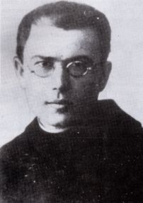 Franciscan priest and martyr. He is a patron saint of journalists, drug addicts… Catholic News, Catholic Priest, Catholic Saints, Patron Saints, Maximillian Kolbe, St Maximilian, Political Prisoners, Pro Life, My Hero