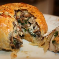 Portobello wellingtons Even if you aren't a vegetarian you will love this dish. Tender puff pastry encases a creamy vegetable saute with a beefy portobello mushroom. This is perfect for your vegetarian guests at … Vegetable Recipes, Vegetarian Recipes, Cooking Recipes, Healthy Recipes, Yummy Recipes, Rice Recipes, Vegetarian Barbecue, Cooking Pasta, Cooking Rice